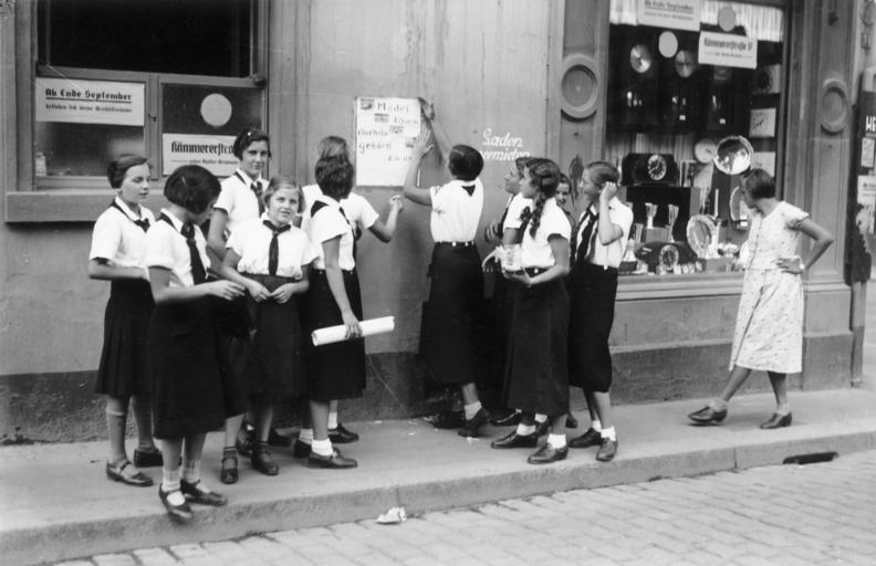 Jungmädelbund, branch of the Hitler Youth (image wikipedia)